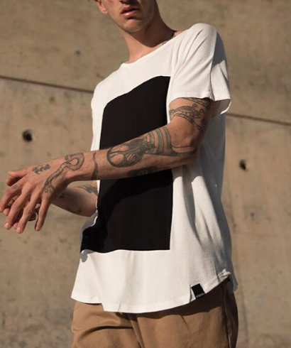 Pitagora_Camiseta_Quadrilateral_Blanco_Negro-2