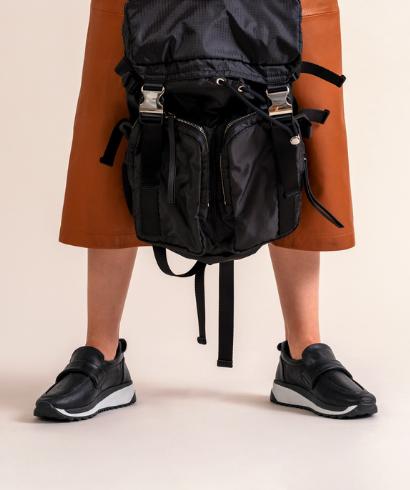 gaimo-mujer-casual-plano-roy-mocasin-piel-negro-otono-invierno-modelo