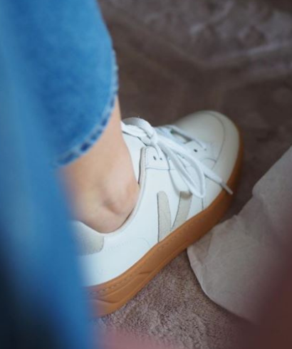 Veja-V-12-ChromeFree-Leather_extra_white_natural-5