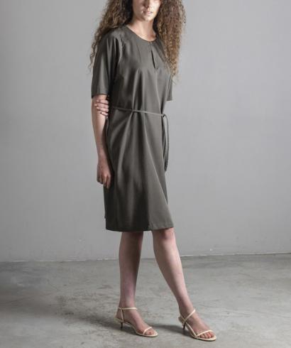 Lavandera-Dando-Vestido-Olive-1